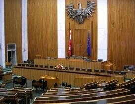 Bezügebegrenzungsgesetz: Nicht jedes Gesetz braucht Strafe?