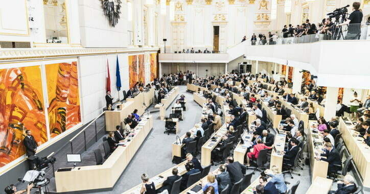 Nationalrats-Plenarsitzung im Ausweichquartier des Parlaments in der Hofburg