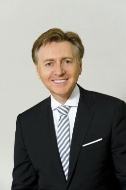 Dr. Andreas Karlsböck