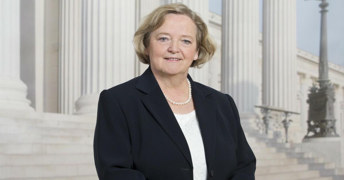 Angela Fichtinger