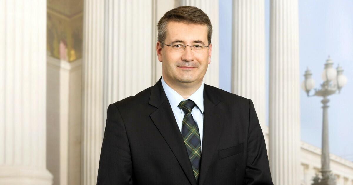 Obst Prof. Dipl.-Ing. Christian Schandor