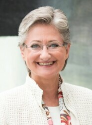 Dr.in Claudia Schmied
