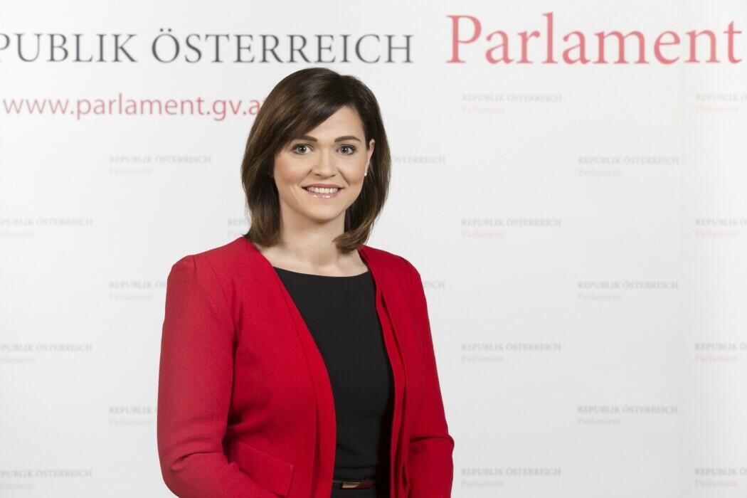 Daniela Holzinger-Vogtenhuber, BA