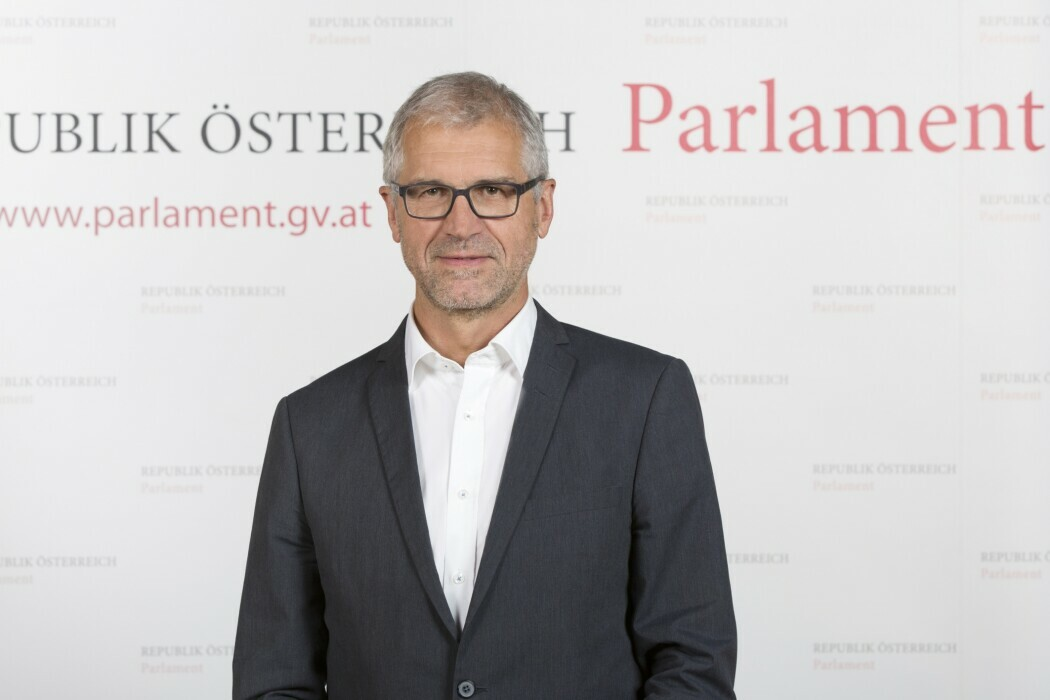 Dr. Harald Walser