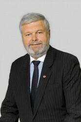 ADir. Stefan Zangerl