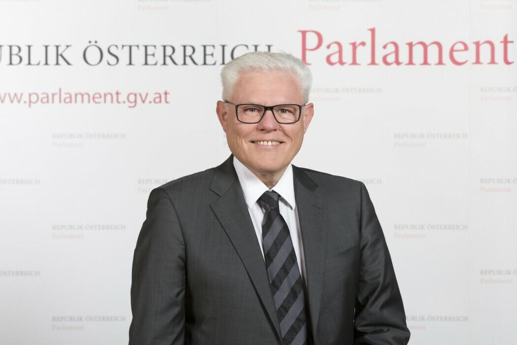 Werner Neubauer, BA