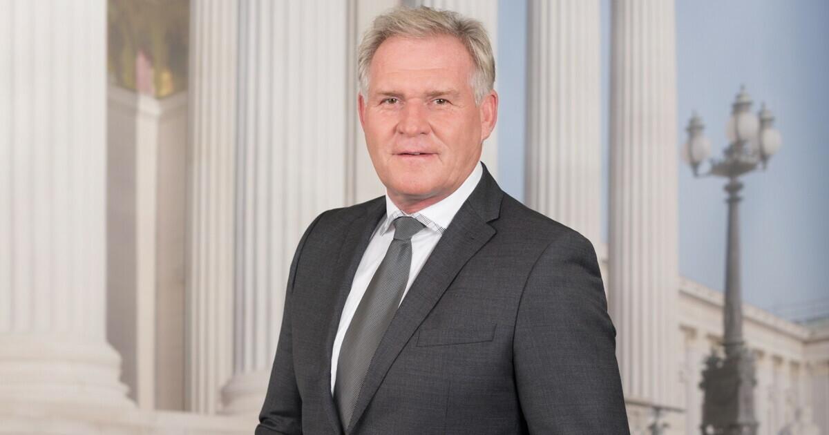 Wolfgang Knes