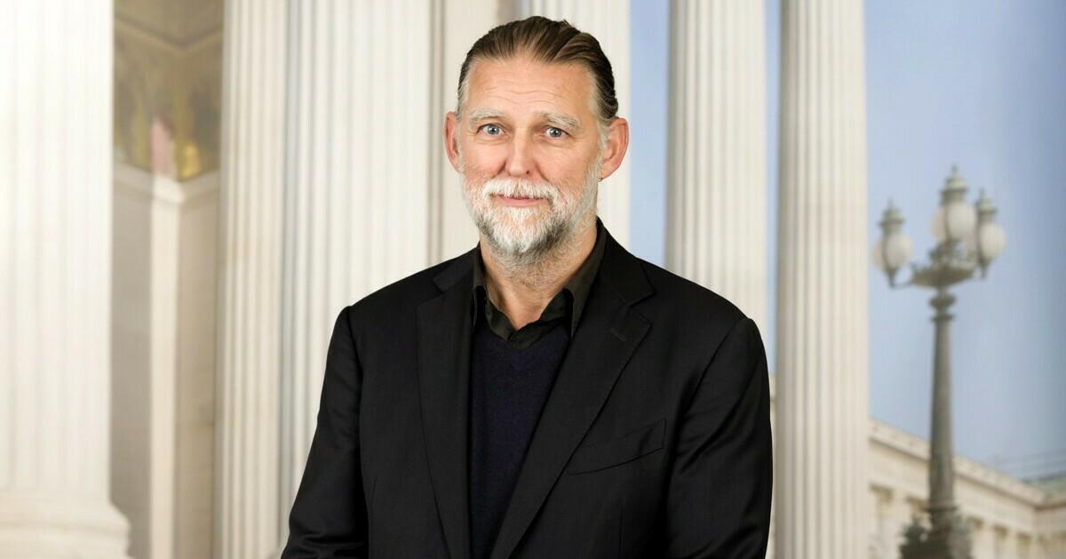 Univ.-Prof. Dr. Alfred Noll