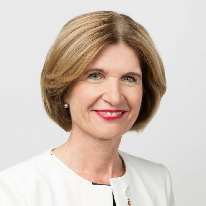 Porträt Dr. Andrea Eder-Gitschthaler