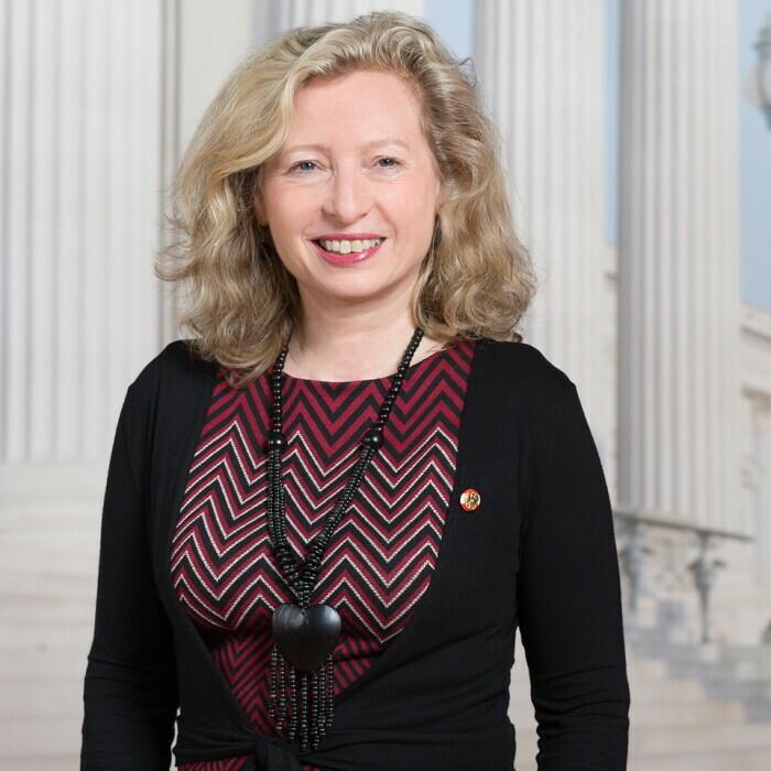 Eva Prischl
