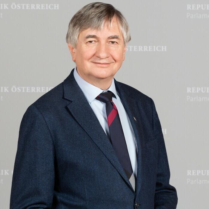 Univ.-Prof. Dr. Josef Smolle