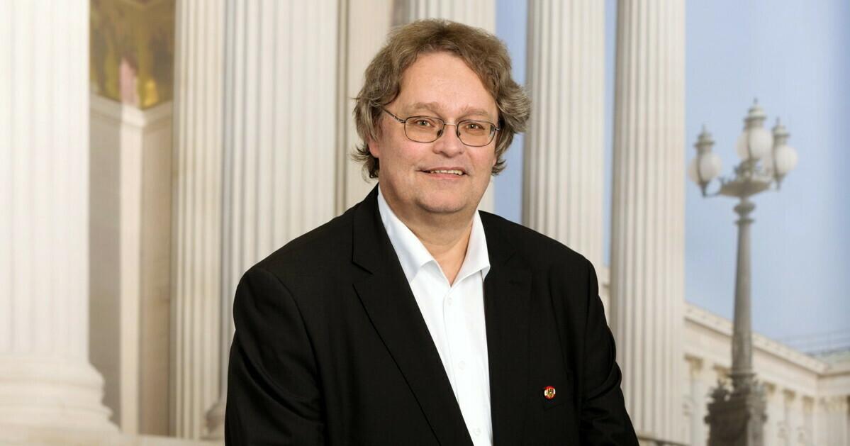 Dr. Peter Kolba