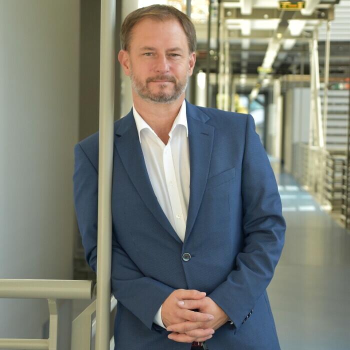 Prof. (FH) Dr. Mag. (FH) Roland Fürst