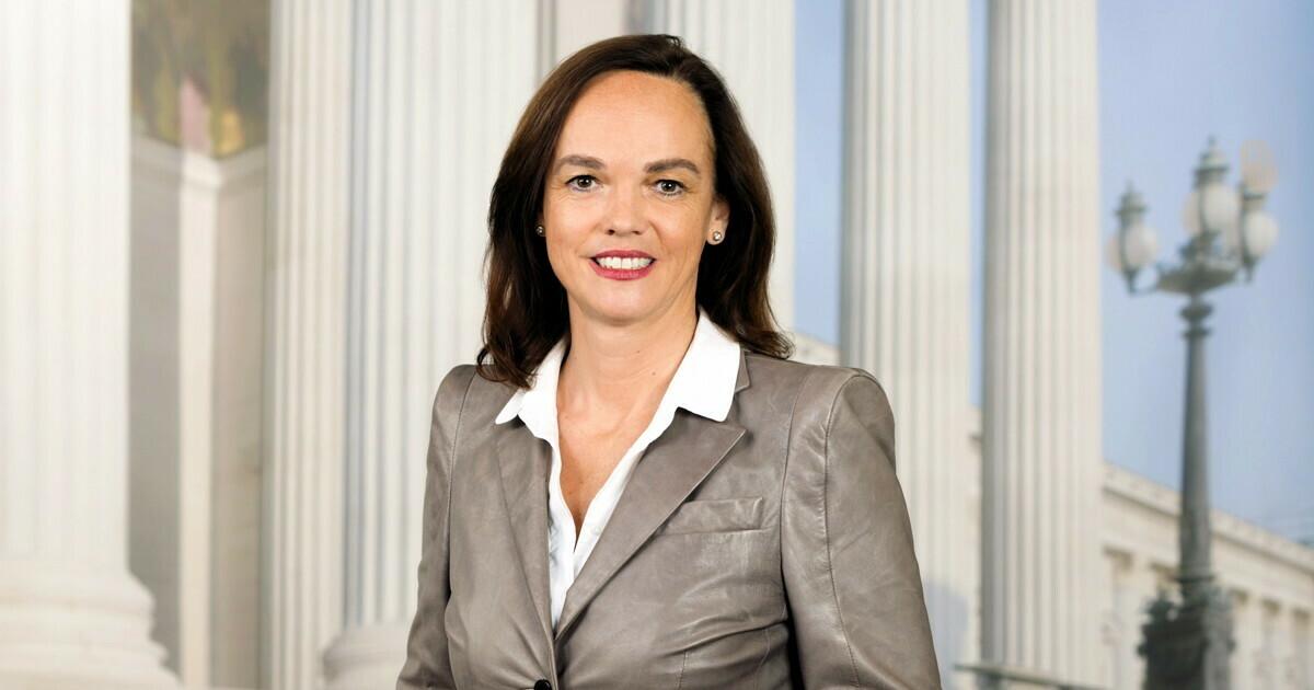 Dr.in Sonja Hammerschmid